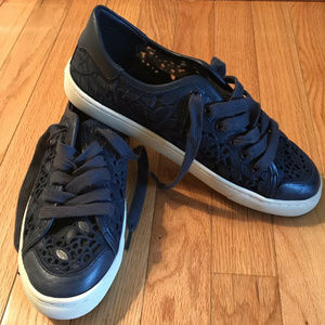 TORY BURCH Size 8 Navy Blue Lace Mesh Sneakers!